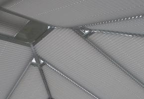 Plisētas žalūzijas trapecveida logiem – 10 tips