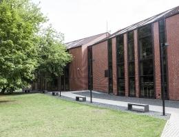 Horizontālās žalūzijas Anīkšču bibliotēkā
